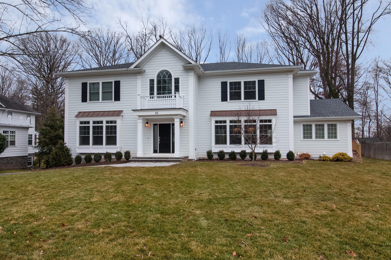 Casa Unifamiliar por un Venta en Better than New! 65 Falmouth Street Short Hills, Nueva Jersey, 07078 Estados Unidos