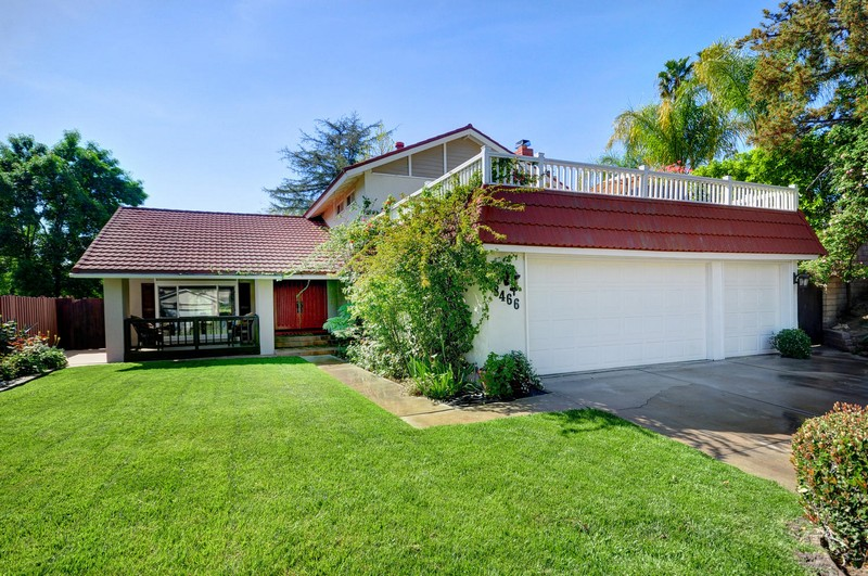 Maison unifamiliale pour l Vente à 8466 Melba Ave, West Hills Ca 91304 West Hills, Californie, 91304 États-Unis