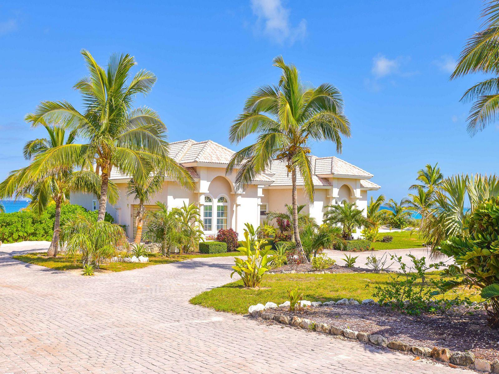 Maison unifamiliale pour l Vente à Sand Castle Farmers Hill, Exuma, Bahamas