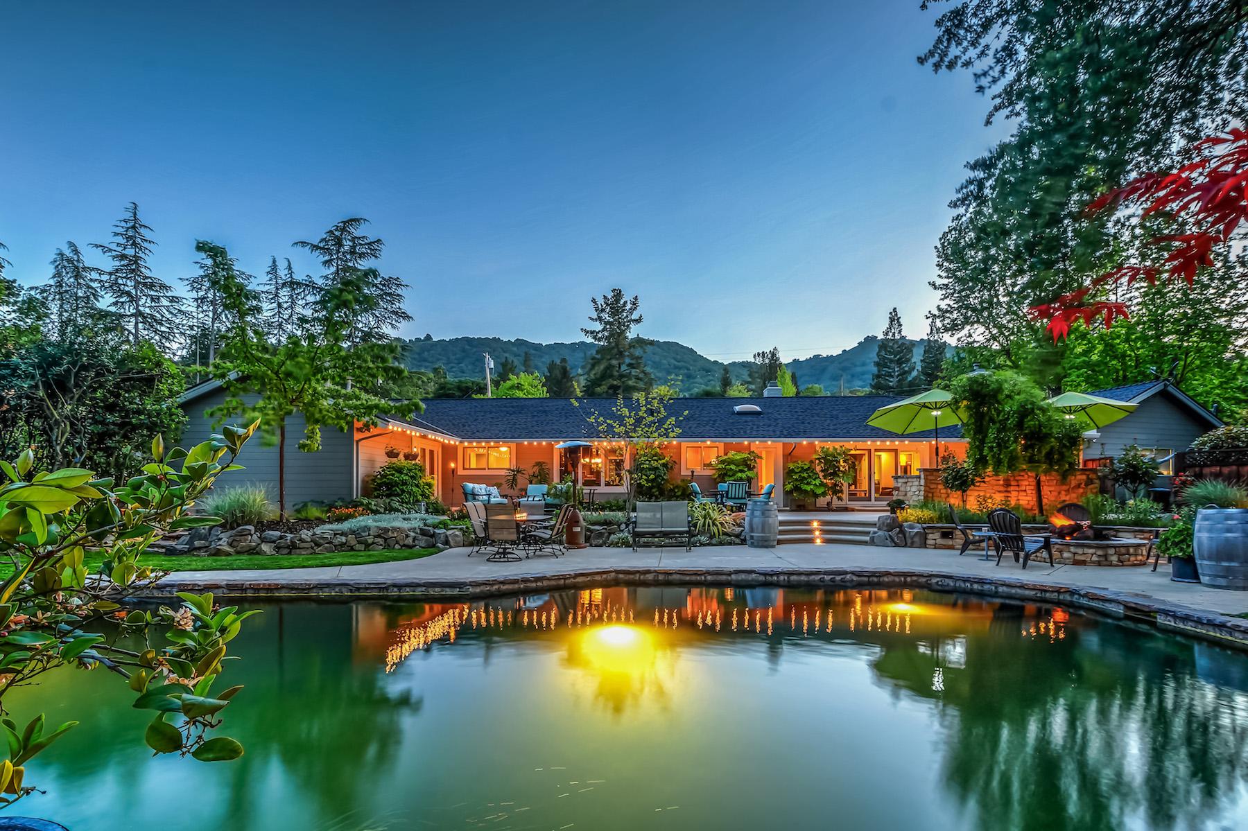Moradia para Venda às 103 Whispering Trees Lane, Danville Danville, Califórnia, 94526 Estados Unidos