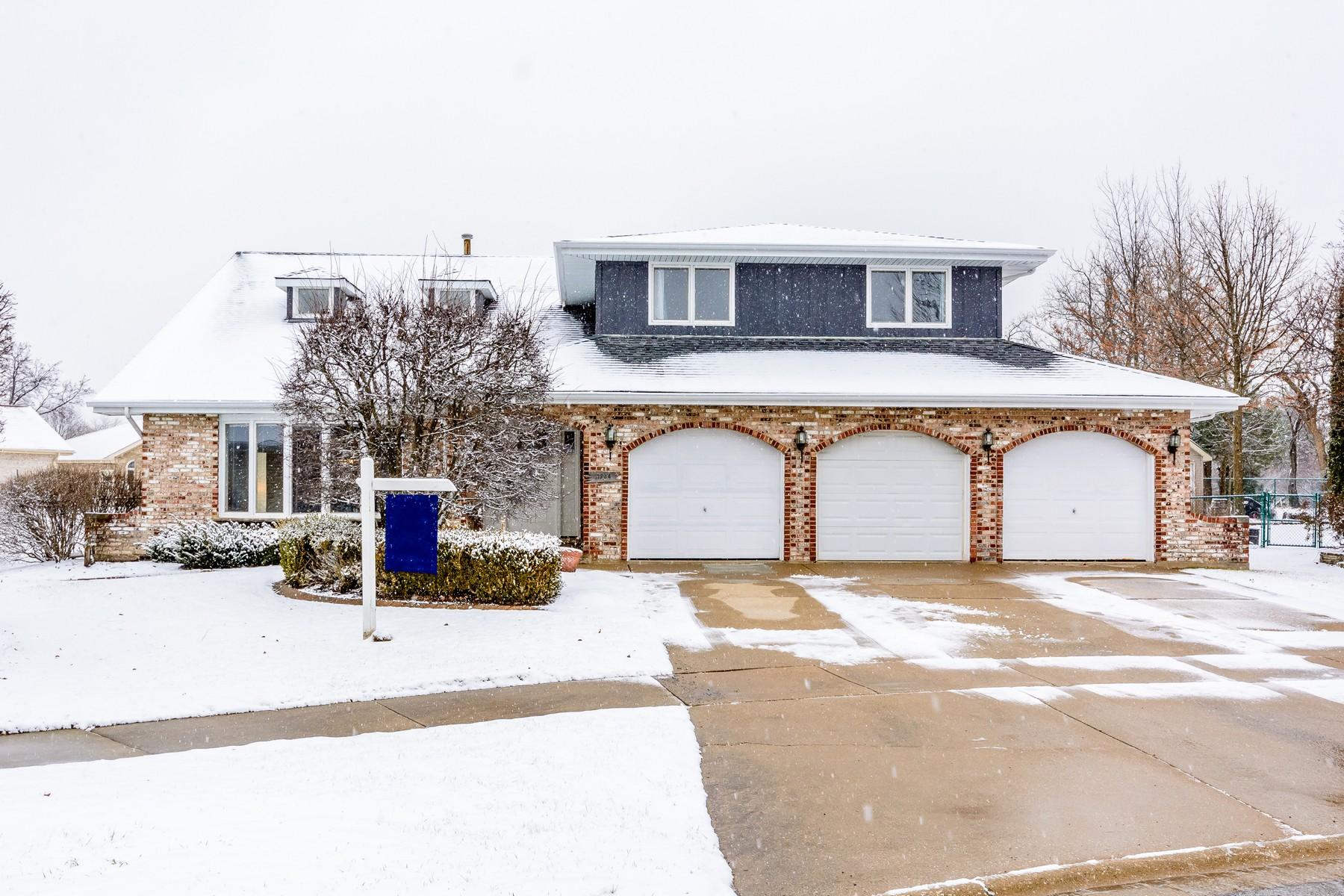 Maison unifamiliale pour l Vente à Beautiful Cul-de-sac Home 11734 Ballinary Court Orland Park, Illinois, 60467 États-Unis