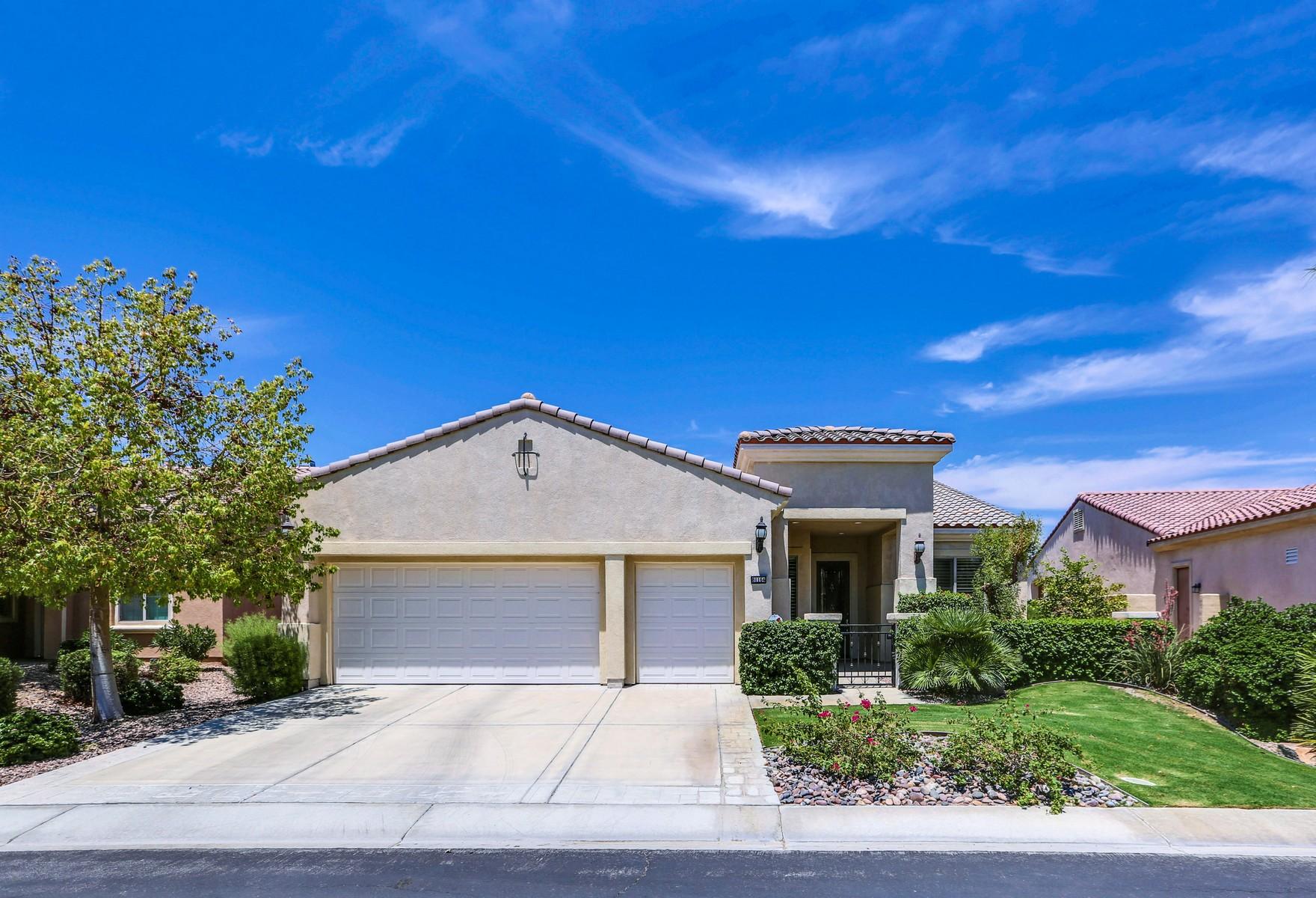 Maison unifamiliale pour l Vente à 81164 Avenida Castelar Indio, Californie 92203 États-Unis