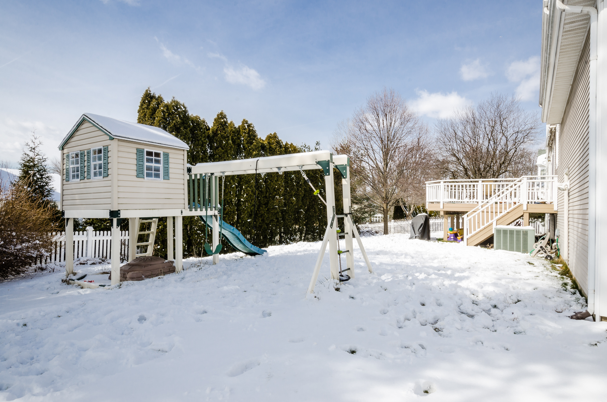 Additional photo for property listing at Right At Home In Brandon Farms - Hopewell Township 132 Brandon Road Pennington, New Jersey 08534 United States