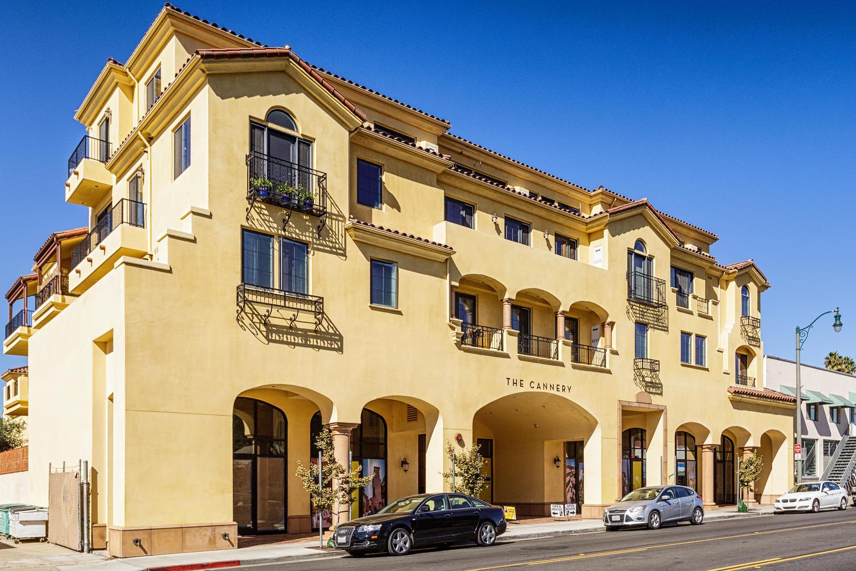 共管式独立产权公寓 为 销售 在 The Cannery 130 N Garden St #1209 凡吐拉市, 加利福尼亚州 93001 美国
