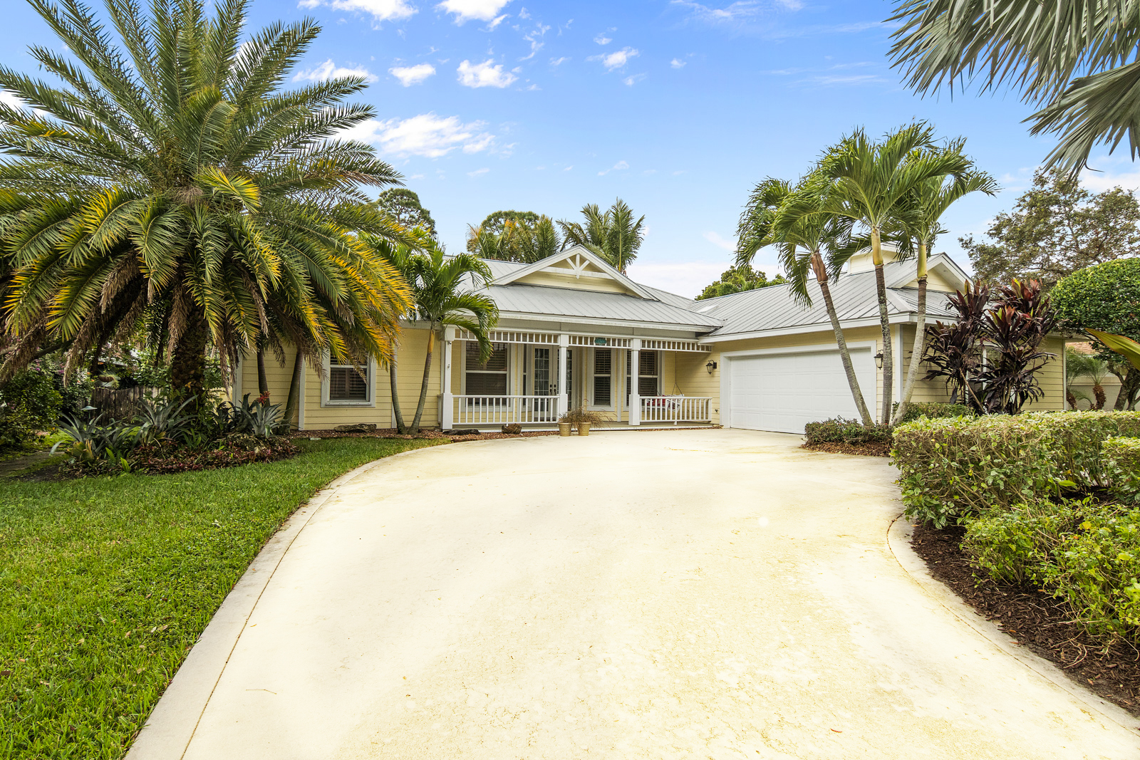 Single Family Home for Sale at 8749 Woodwind Street 8749 SE Woodwind Street Hobe Sound, Florida, 33455 United States