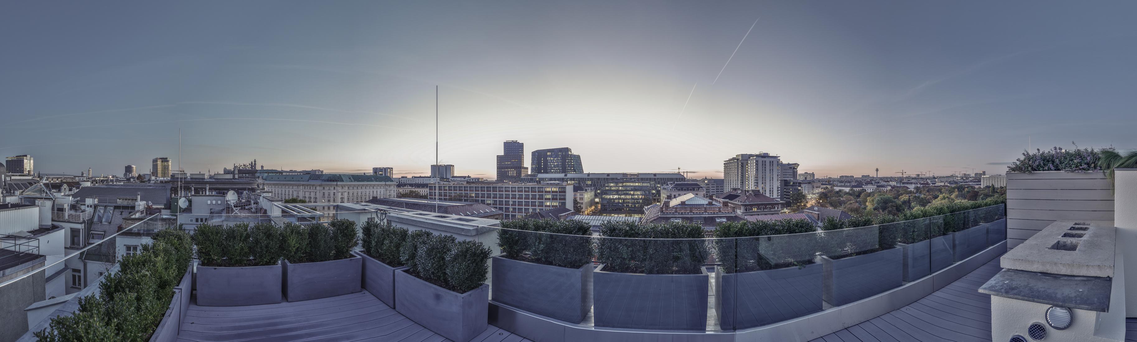 公寓 为 销售 在 Fascinating 2 Bed Penthouse Vienna, Vienna, 1010 Austria