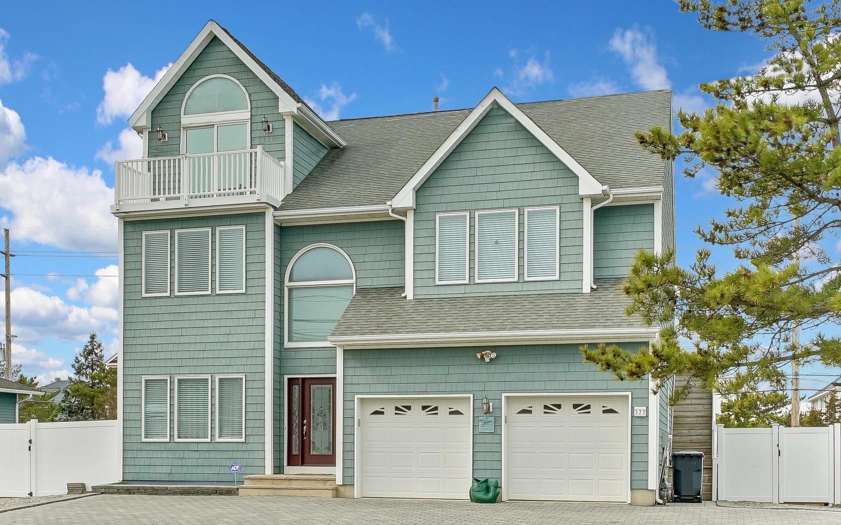 Single Family Home for Sale at Osprey Dunes Beach Association! 377 Route 35 Brick, 08738 United States