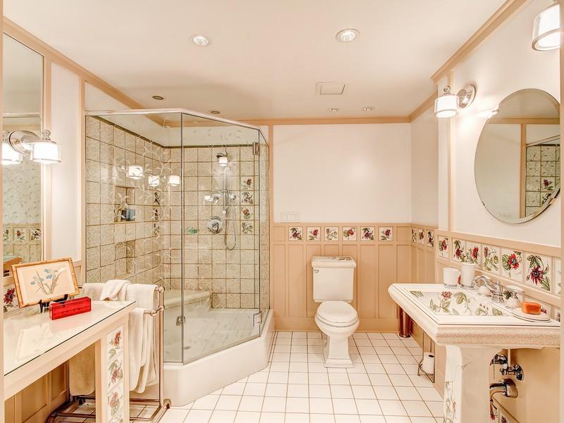 Additional photo for property listing at 103 NW Highland Drive 103 NW Highland Drive Shoreline, Washington 98177 United States