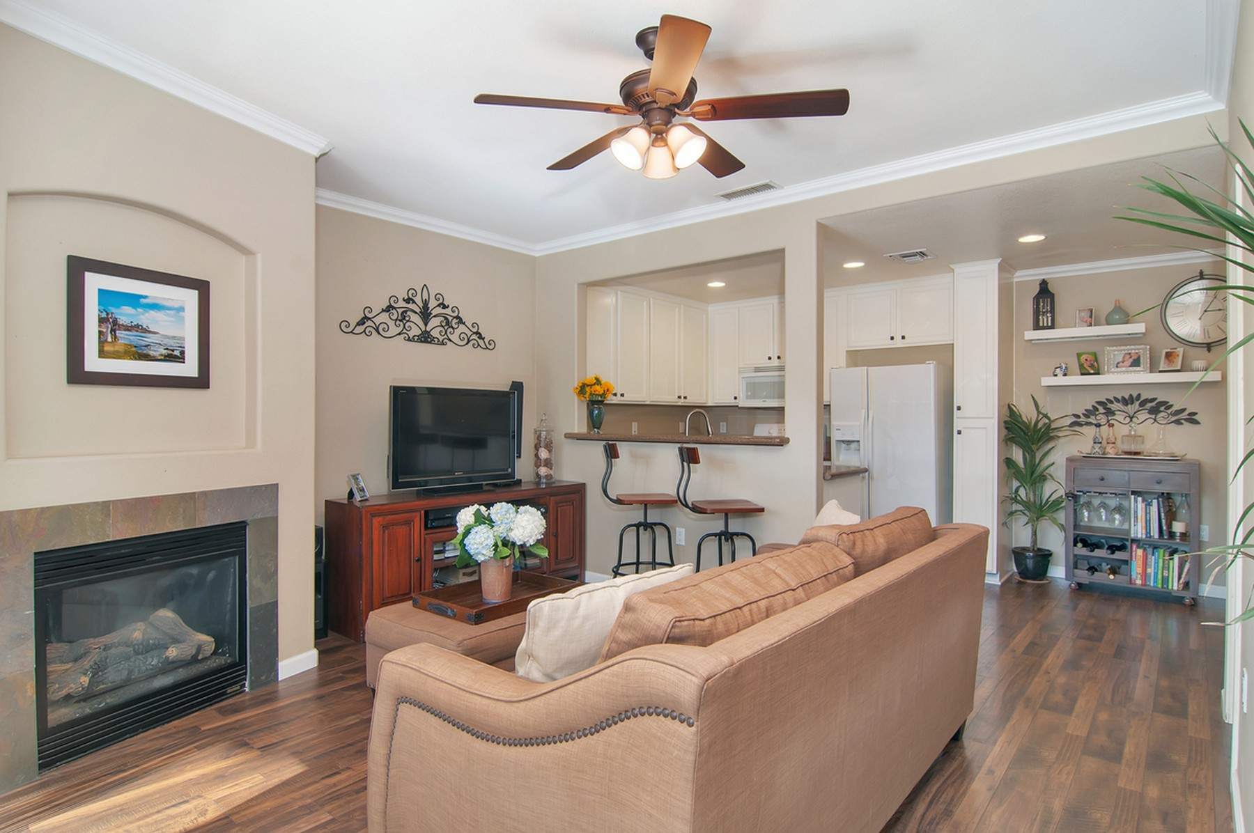 Single Family Home for Sale at 1905 Diamond Street San Diego, California, 92109 United States