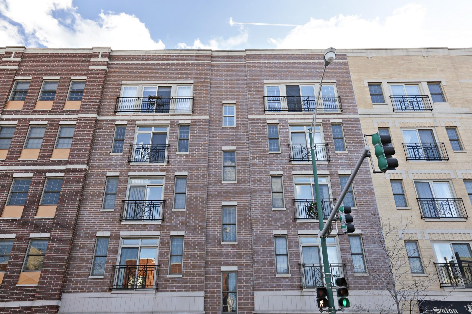 Eigentumswohnung für Verkauf beim Three Bedroom Unit in Boutique Building 1903 W Diversey Parkway Unit 301 Chicago, Illinois, 60614 Vereinigte Staaten