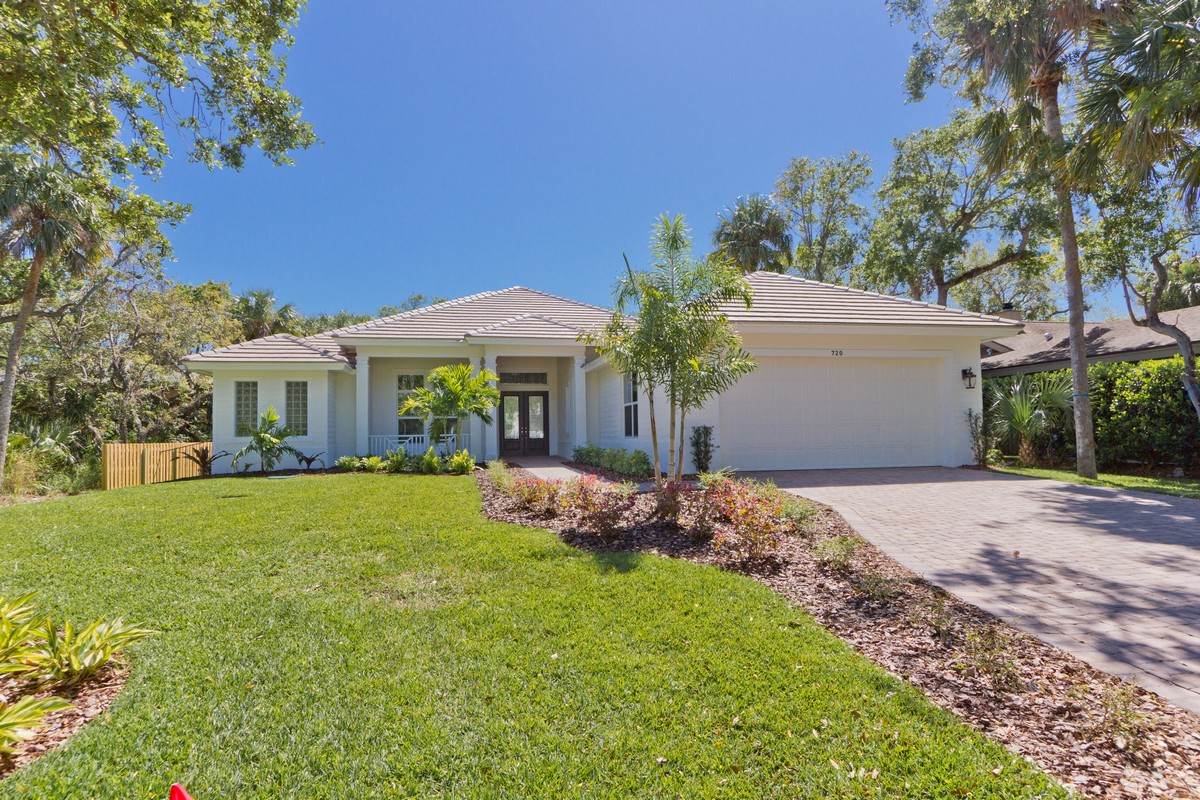 Single Family Home for Sale at Custom New Home on Vero's Barrier Island 720 Pirate Cove Lane Vero Beach, Florida, 32963 United States