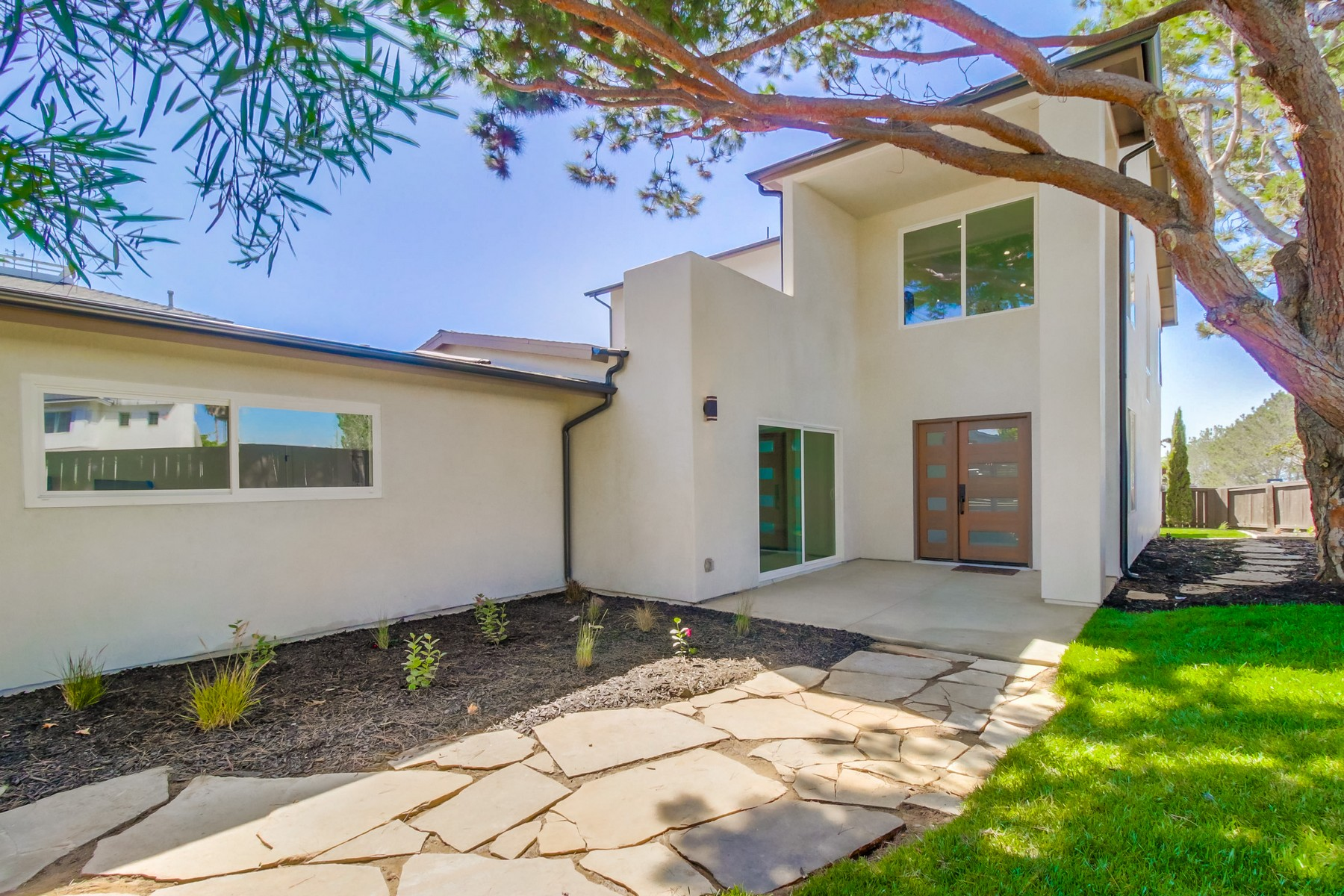 Single Family Home for Sale at 13796 Nogales Drive Del Mar, California 92014 United States