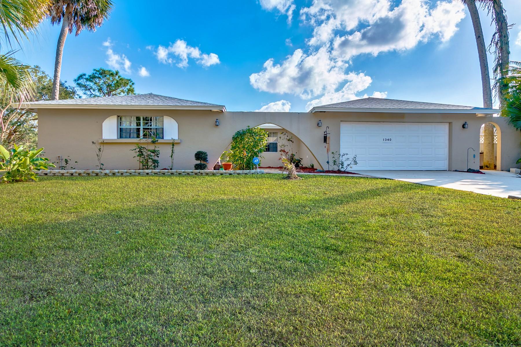 Casa para uma família para Venda às 1340 Meadowbrook Road Palm Bay, Florida, 32905 Estados Unidos