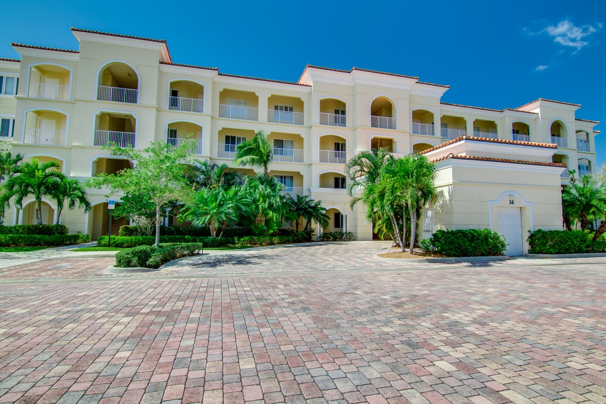 Eigentumswohnung für Verkauf beim Harbour Isle, Affordable Florida Resort Living 34 Harbour Isle Dr. #102 Fort Pierce, Florida, 34949 Vereinigte Staaten