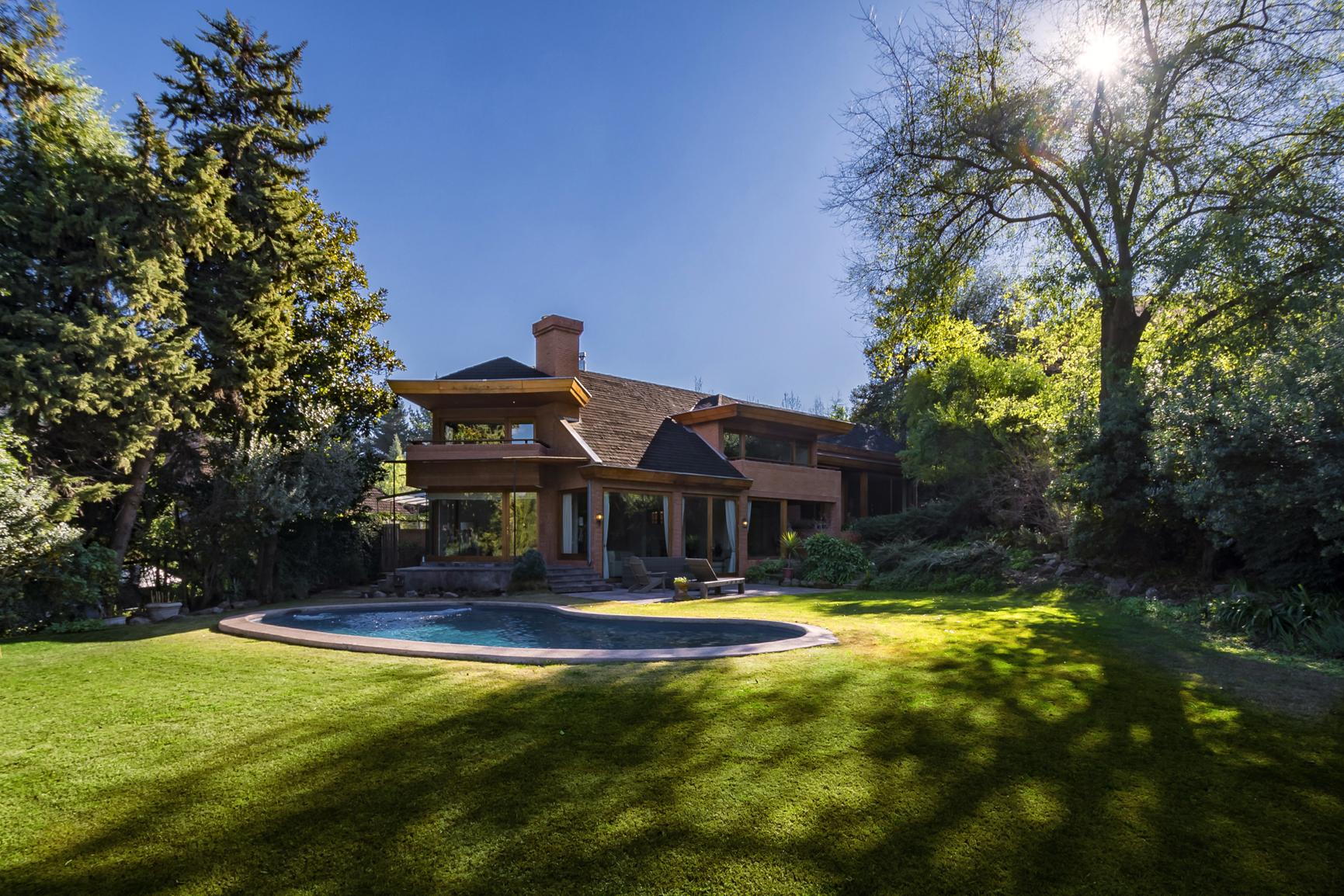 Casa por un Alquiler en Club de Golf Lomas- Acogedora Casa Lo Barnechea, Santiago, Region Metropolitana De Santiago Chile