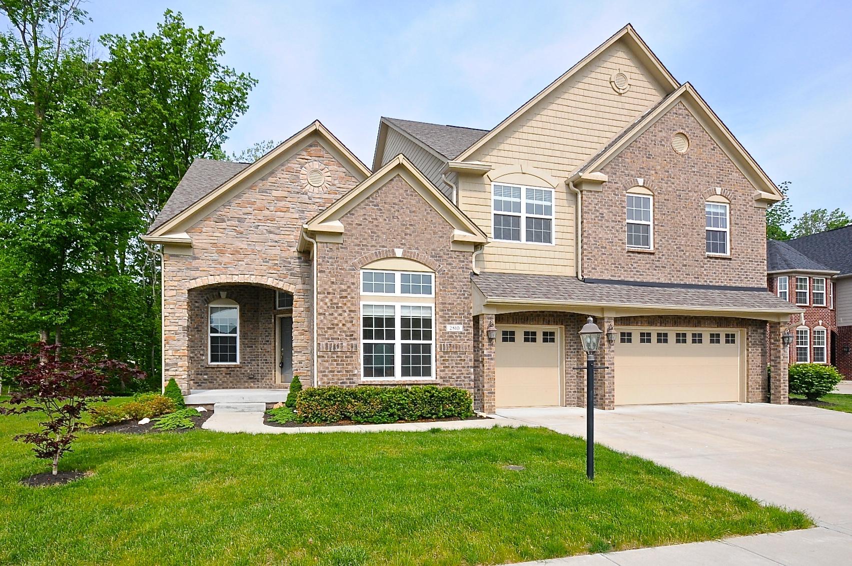 Einfamilienhaus für Verkauf beim Grogeous Home 2810 Newbury Court Zionsville, Indiana, 46077 Vereinigte Staaten