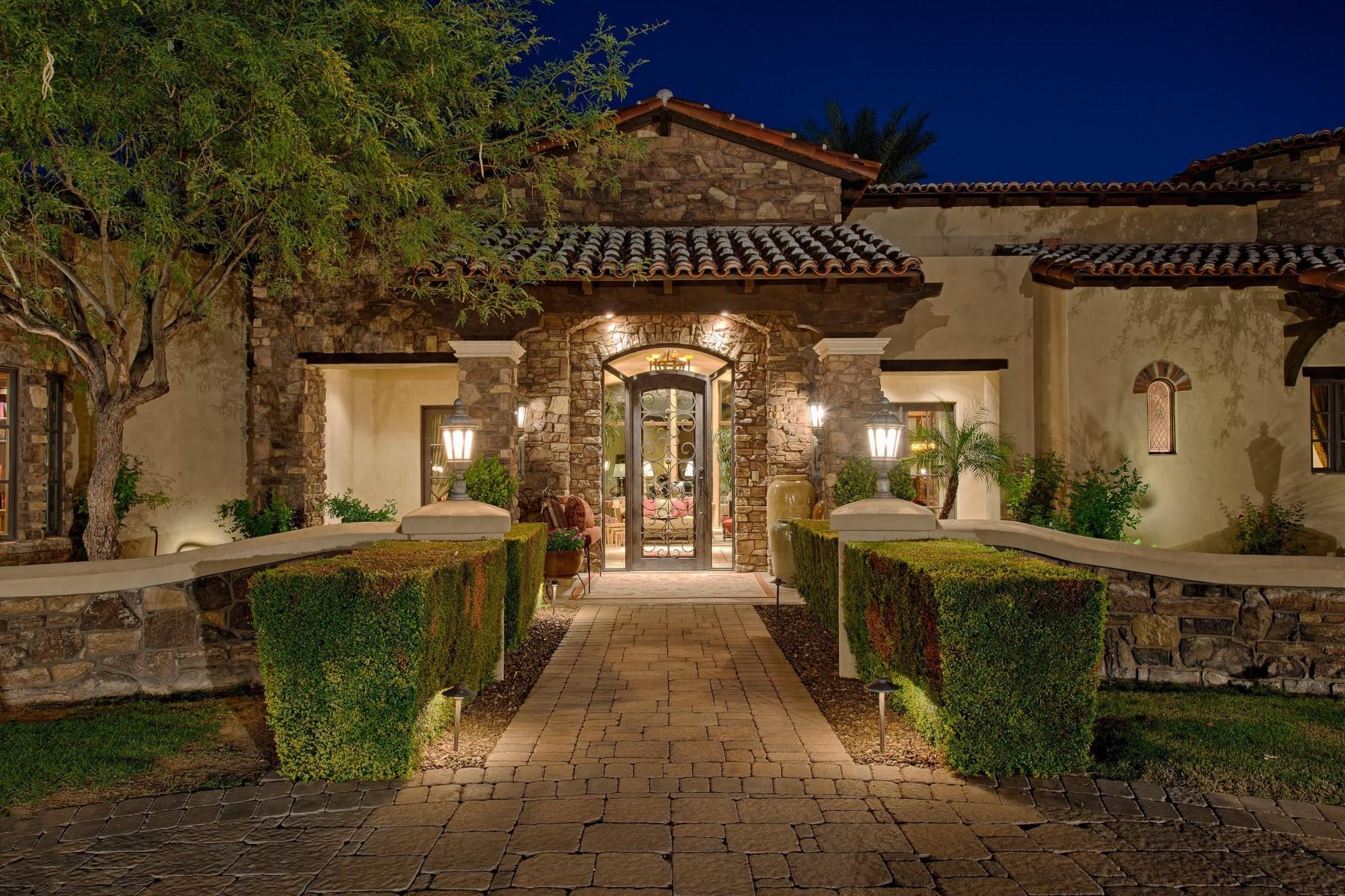Villa per Vendita alle ore Classic Mediterranean home in Paradise Valley 6390 E Royal Palm Rd Paradise Valley, Arizona, 85253 Stati Uniti