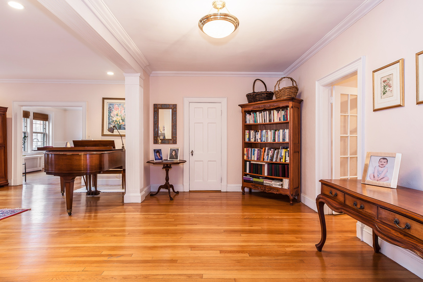 Condomínio para Venda às 1272 Beacon St 1, Brookline Brookline, Massachusetts, 02446 Estados Unidos