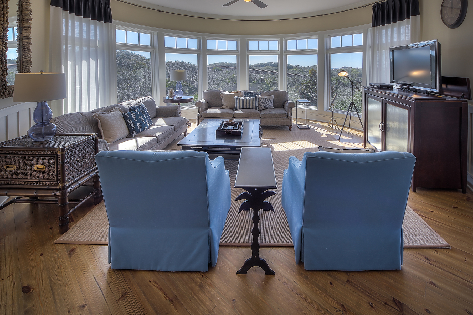 共管式独立产权公寓 为 销售 在 RESORT STYLE LIVING AT EXCLUSIVE COMPASS POINT IN WATERSOUND 99 Compass Point Way 208 Watersound, 佛罗里达州, 32461 美国