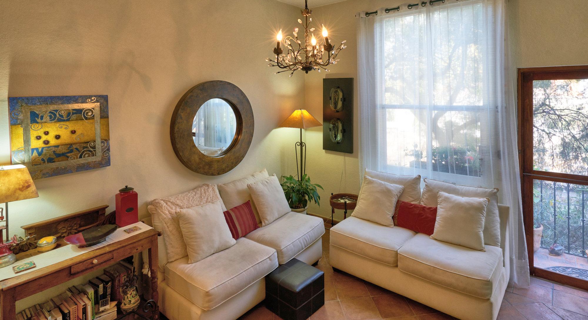 Additional photo for property listing at Santo Domingo Condo Santo Domingo 55 Suite 4D San Miguel De Allende, Guanajuato 37700 México