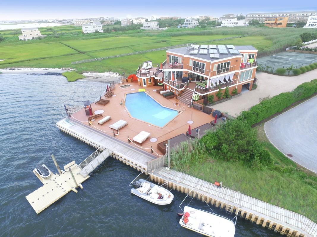 獨棟家庭住宅 為 出售 在 Paradise On The Bay 570 Dune Road Westhampton, 紐約州, 11977 美國