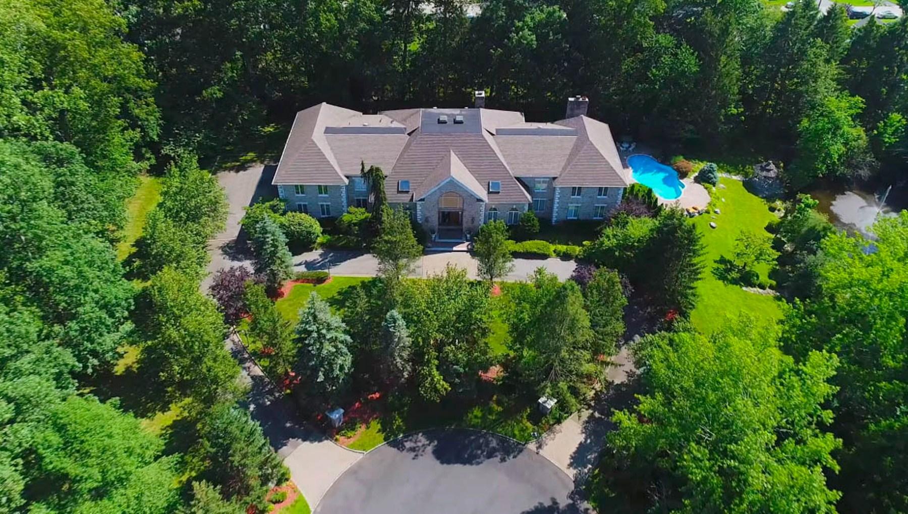 Casa Unifamiliar por un Venta en SOUTH POND ESTATE 3 S Pond Rd Saddle River, Nueva Jersey 07458 Estados Unidos