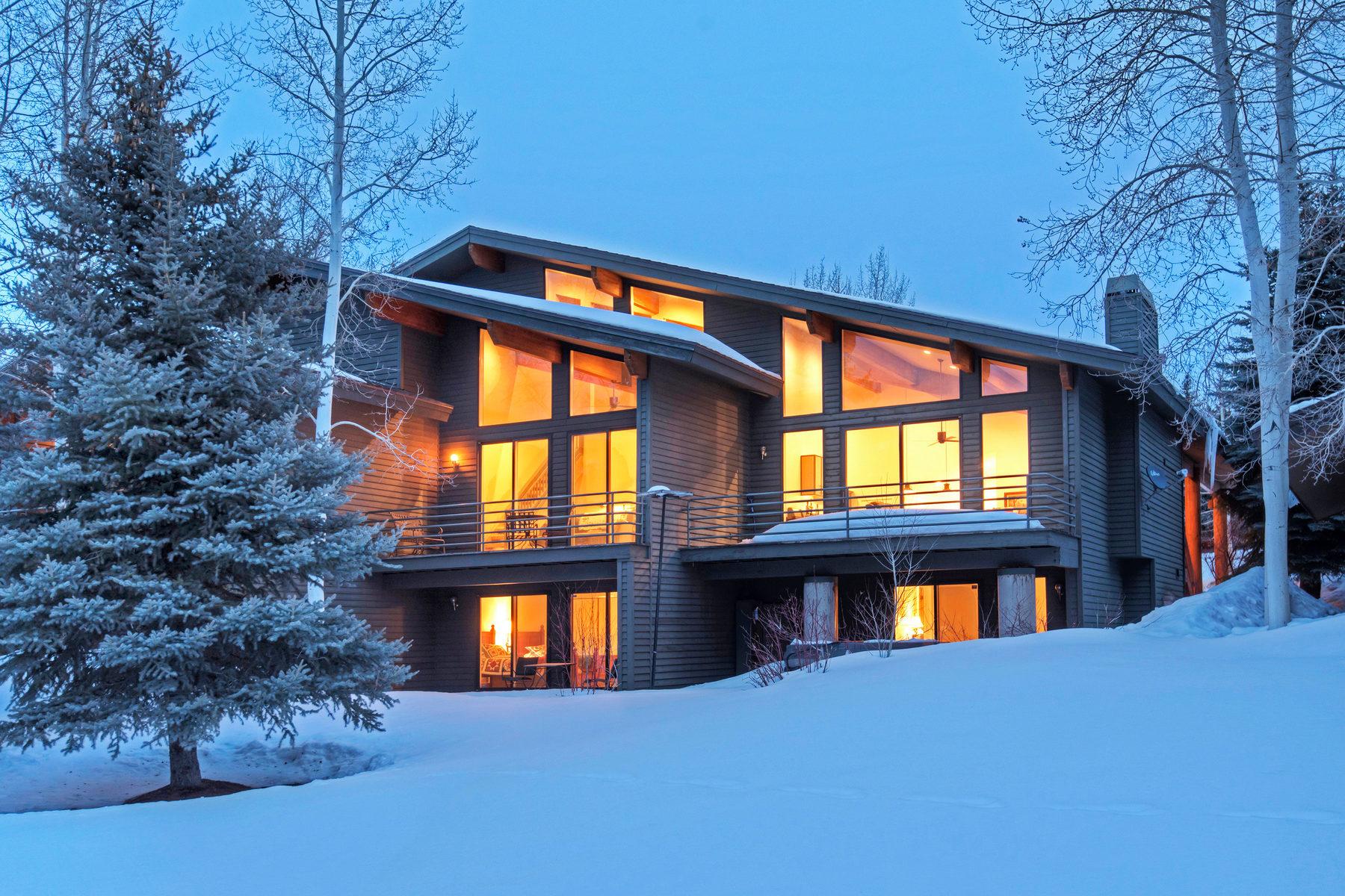 Copropriété pour l Vente à Contemporary Renovated Townhome with Mountain Views 2467 Fairway Village #47 Park City, Utah, 84060 États-Unis