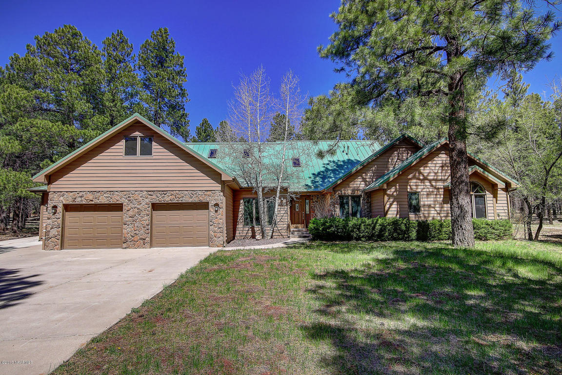 Moradia para Venda às Beautifully Updated Single Level Home 3005 S Surrey Ln Flagstaff, Arizona, 86005 Estados Unidos