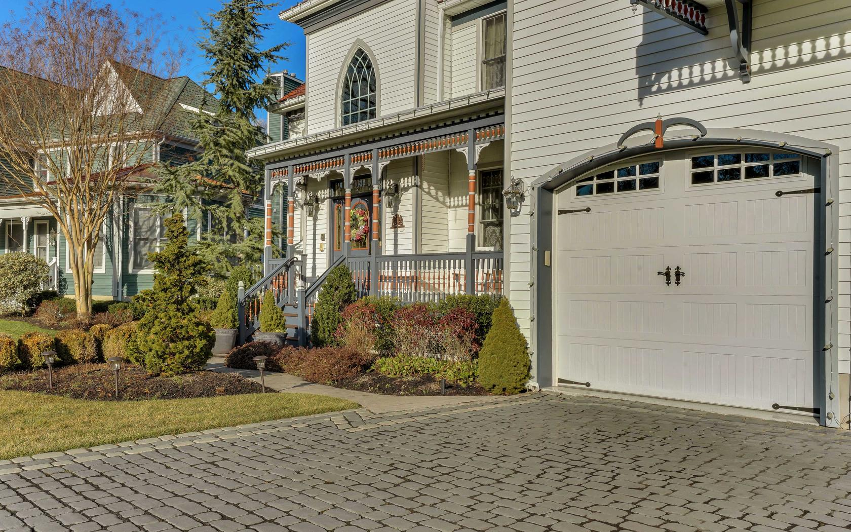 Additional photo for property listing at Victorian 4 Captain Bailey Court Brielle, New Jersey 08730 United States