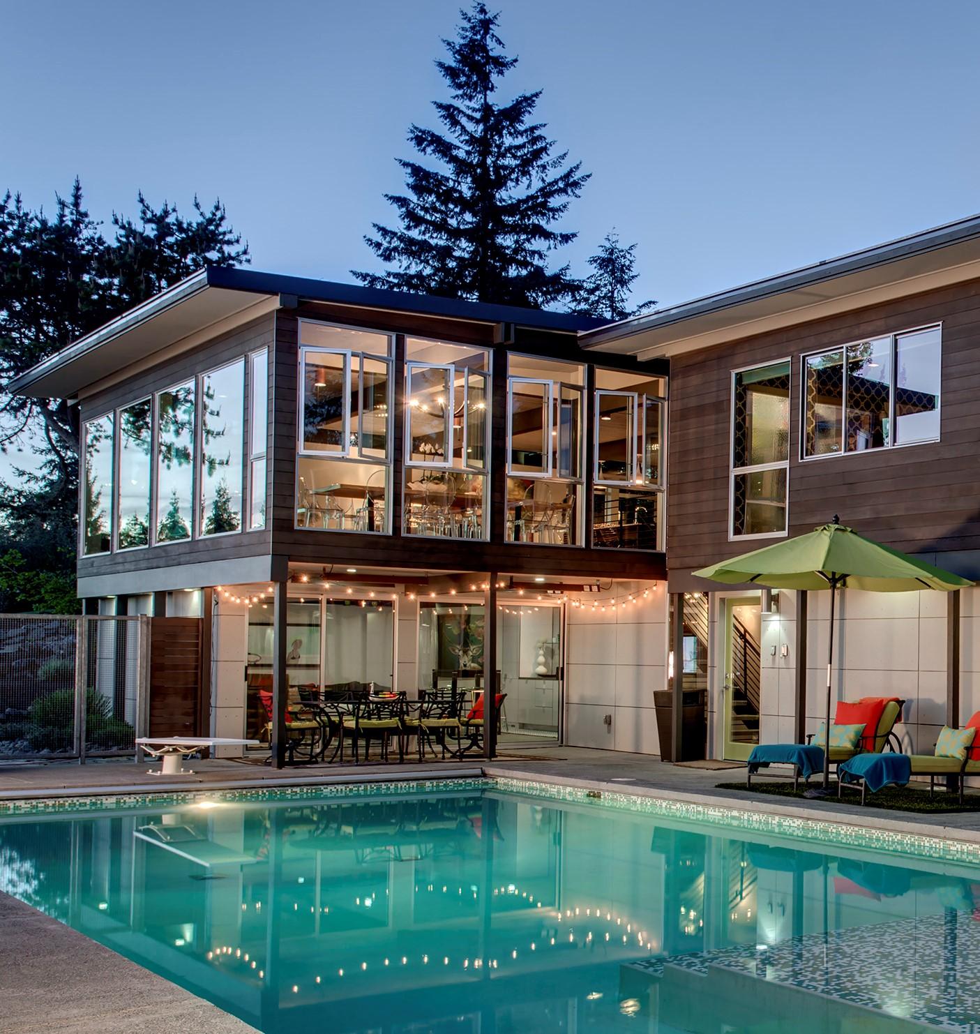 独户住宅 为 销售 在 Contemporary Hilltop Estate 5330 146th Ave SE 贝尔维尤, 华盛顿州 98006 美国