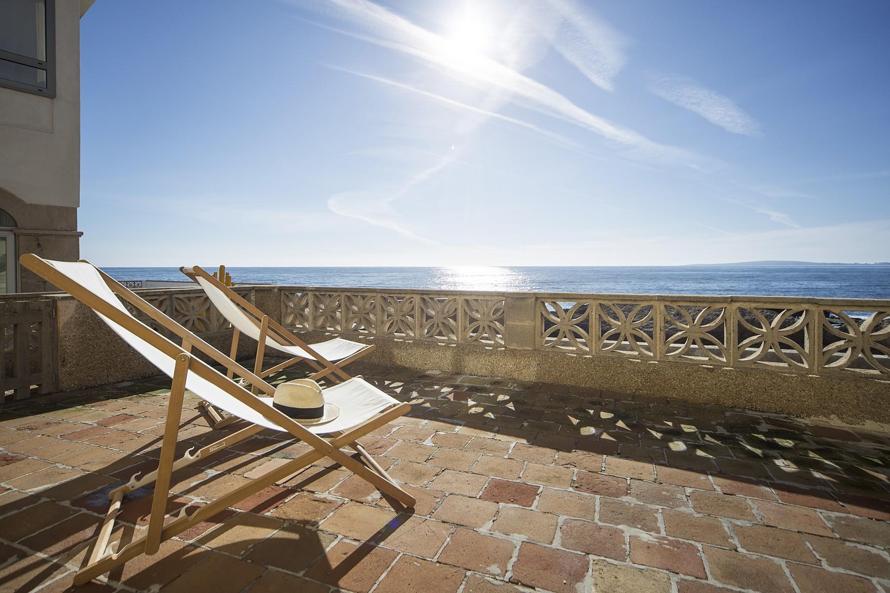 Частный односемейный дом для того Продажа на Seafront apartment in Cala Gamba with views Other Balearic Islands, Balearic Islands, 07007 Испания