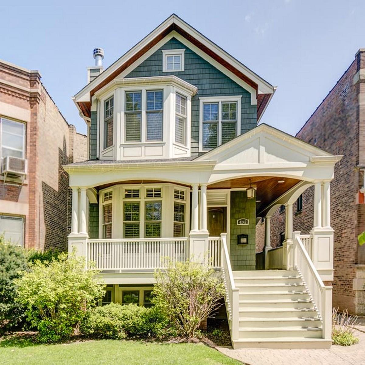 Частный односемейный дом для того Продажа на Elegant Home with Wrap Around Porch 4247 N Winchester Avenue Chicago, Иллинойс, 60613 Соединенные Штаты