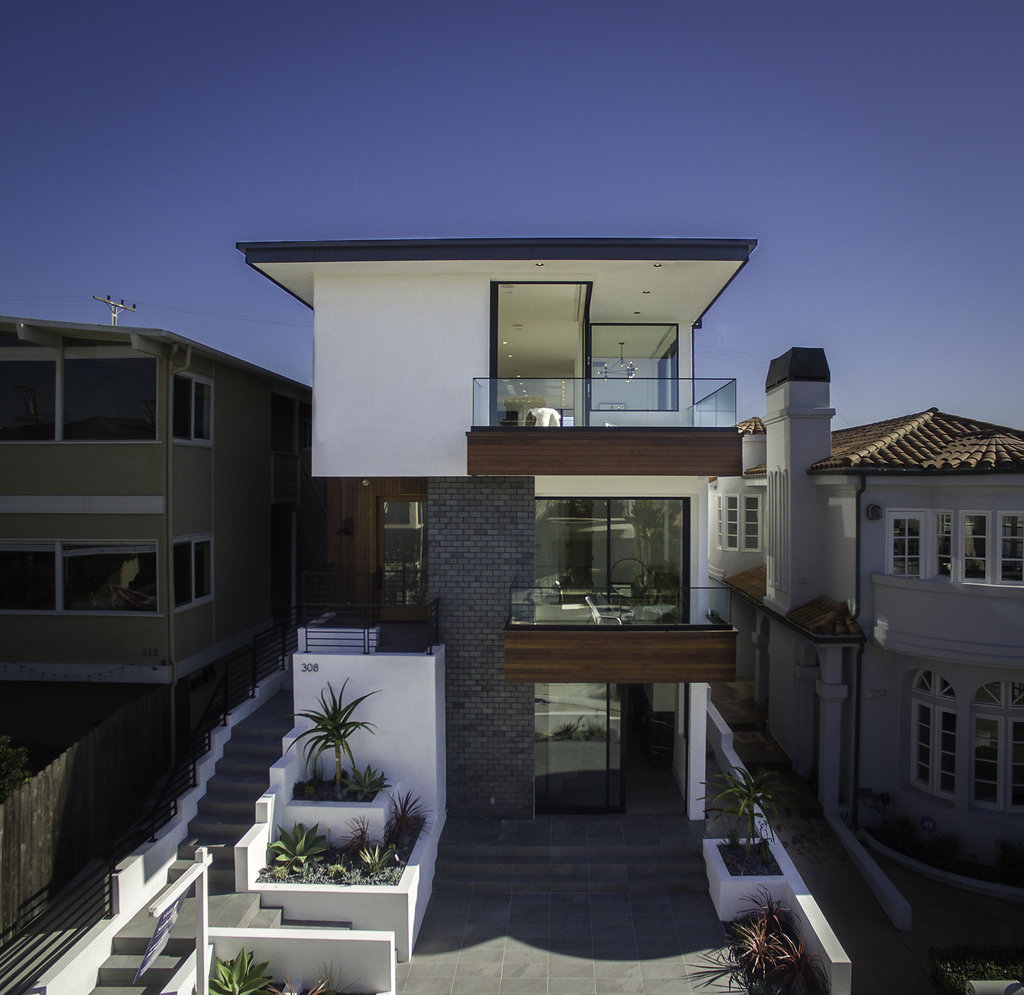 Casa Unifamiliar por un Venta en 308 19th St Manhattan Beach, California, 90266 Estados Unidos