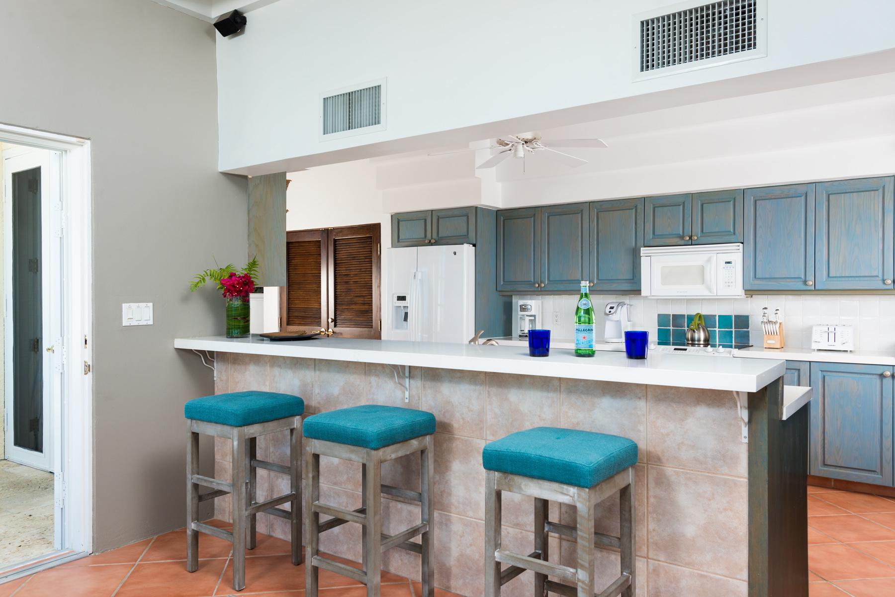 Additional photo for property listing at Villa Alizee Beachfront Chalk Sound, Провиденсьялес TCI BWI Теркс И Кайкос