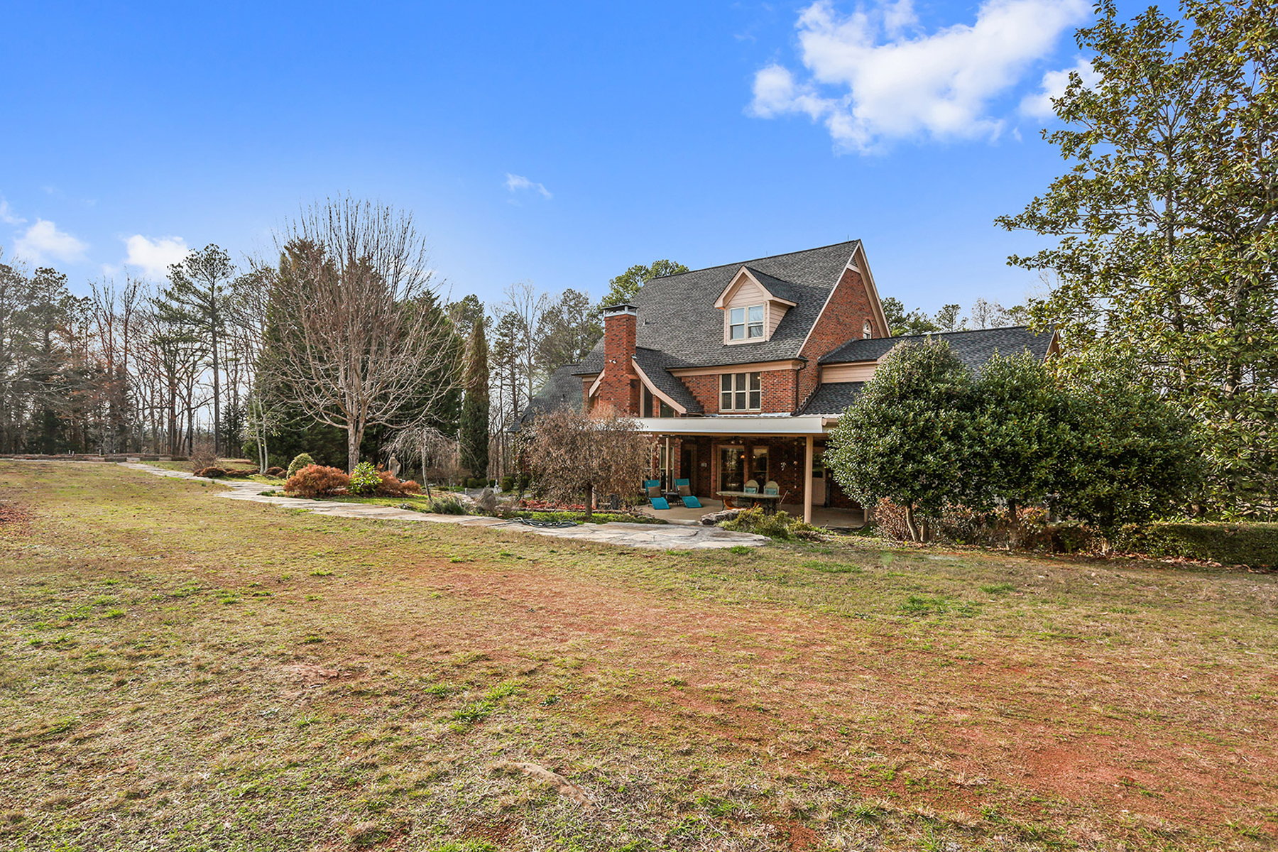 Additional photo for property listing at Traditional Brick Home 136 Mars Hill Road Powder Springs, Джорджия 30127 Соединенные Штаты