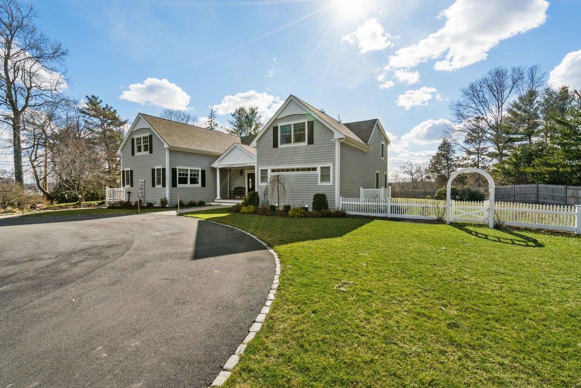 Maison unifamiliale pour l Vente à Waterview 556 Bay Rd Duxbury, Massachusetts, 02332 États-Unis
