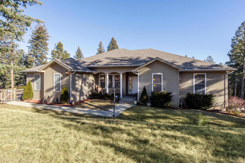 Maison unifamiliale pour l Vente à Great Location in the Foothills 20957 Horse Bit Way Morrison, Colorado, 80465 États-Unis