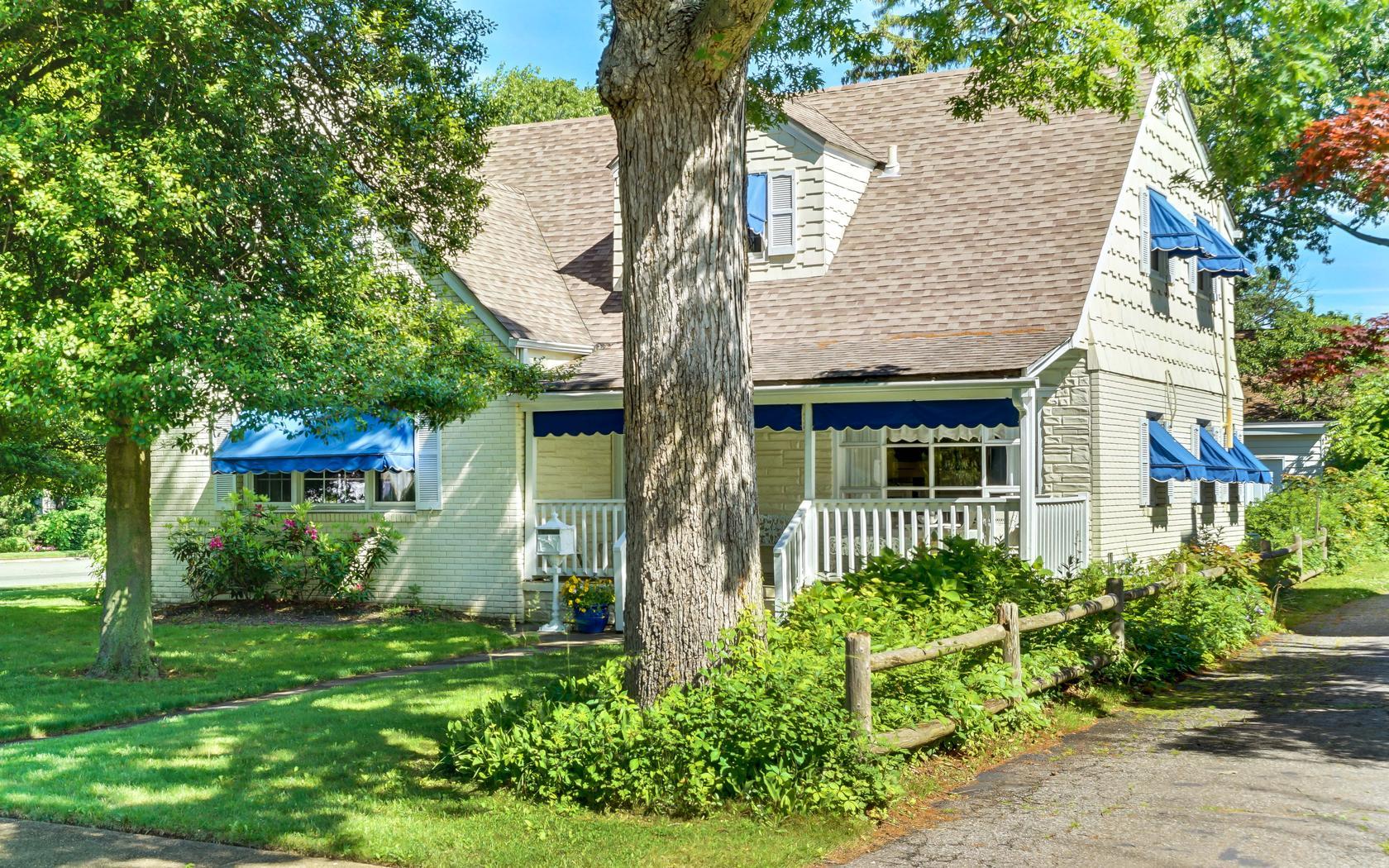 獨棟家庭住宅 為 出售 在 Cape 110 Vroom Avenue Spring Lake, 新澤西州, 07762 美國