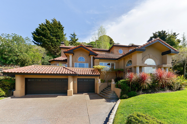 Einfamilienhaus für Verkauf beim European Luxury Estate 80 Gilmartin Drive Tiburon, Kalifornien, 94920 Vereinigte Staaten