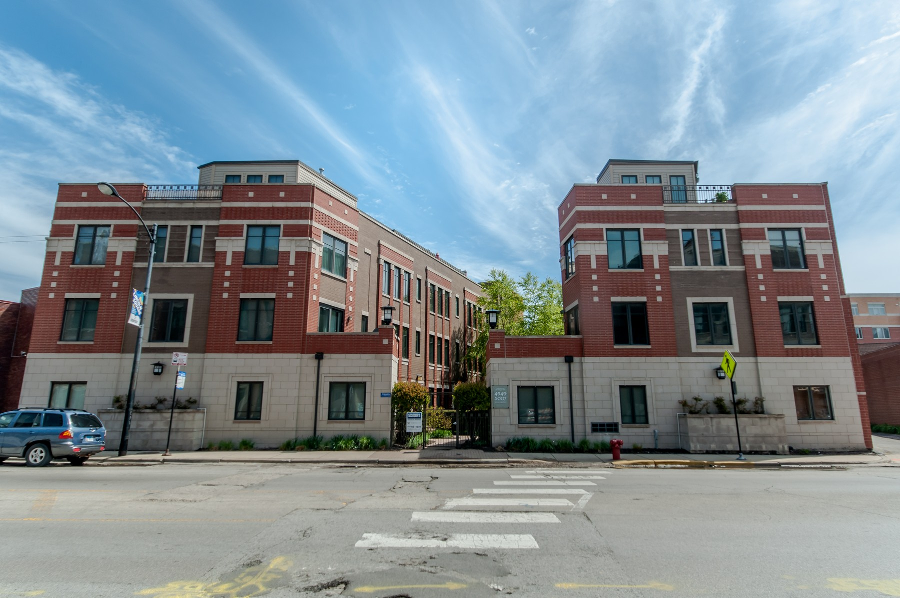 多棟聯建住宅 為 出售 在 Townhomes on the Square 4949 N Lincoln Avenue Unit 1 Lincoln Square, Chicago, 伊利諾斯州, 60625 美國