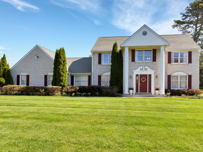 Single Family Home for Sale at Immaculate Colonial 1 Hemlock Drive Tinton Falls, New Jersey, 07724 United States
