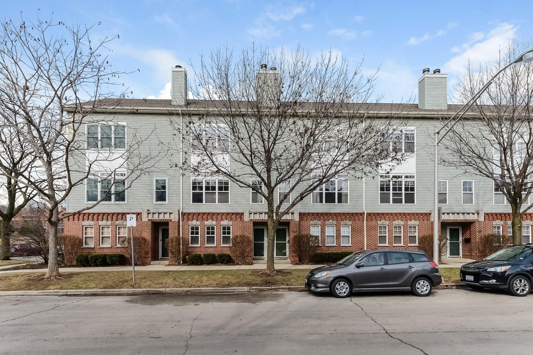 タウンハウス のために 売買 アット Rarely Available Ravenswood/Andersonville Townhouse 1722 W Ainslie Street Unit 1772 Lincoln Square, Chicago, イリノイ, 60640 アメリカ合衆国