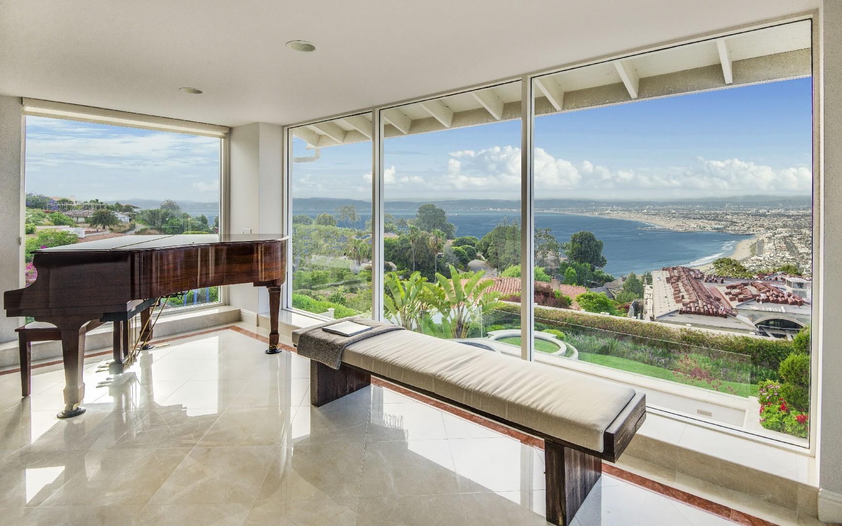 Single Family Home for Sale at 932 Via Del Monte, Palos Verdes Estates 90274 Palos Verdes Estates, California 90274 United States