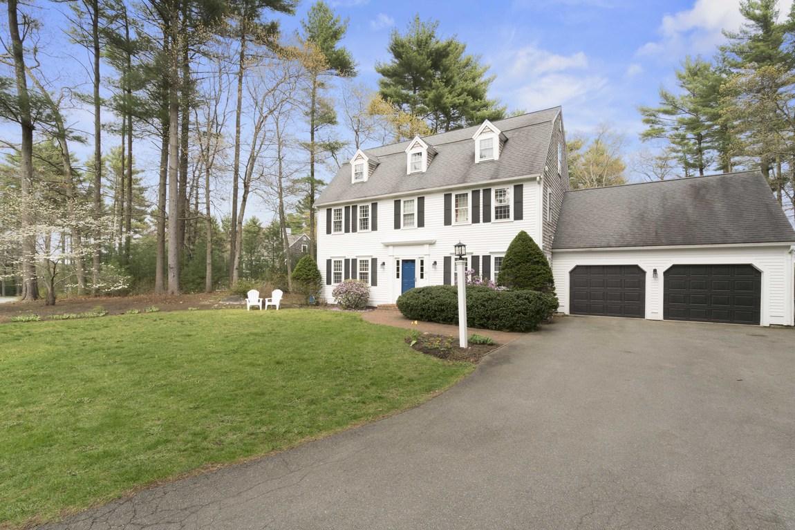 Частный односемейный дом для того Продажа на 25 Gardner Road Duxbury, Массачусетс, 02332 Соединенные Штаты
