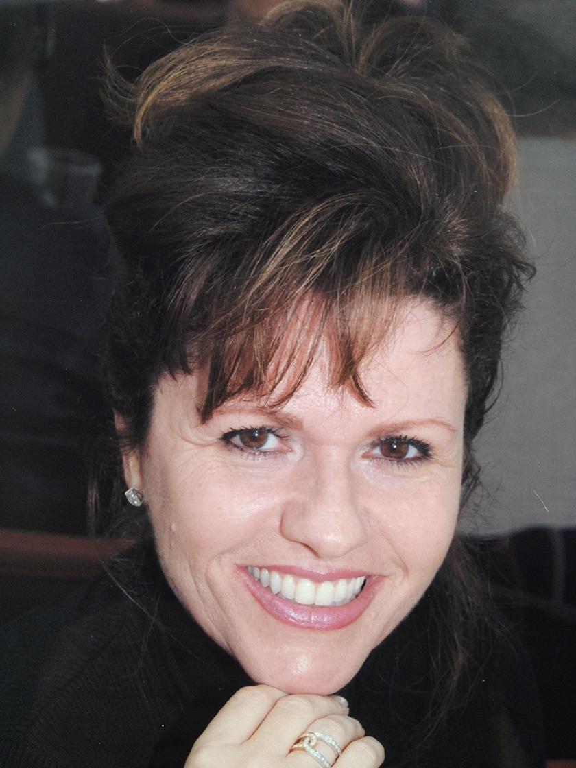 Julie Ann Poppi