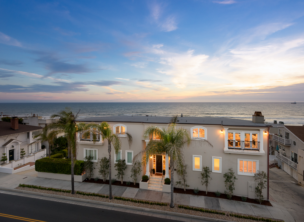 Single Family Home for Sale at 3405 Manhattan Ave Manhattan Beach, California, 90266 United States