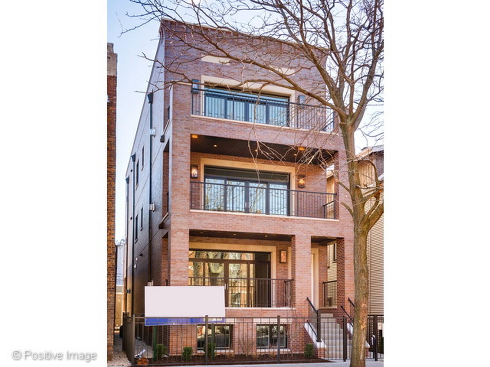Condominio per Vendita alle ore Impressive Lincoln Park New Construction 2455 N Racine Avenue Unit 2 Chicago, Illinois, 60614 Stati Uniti