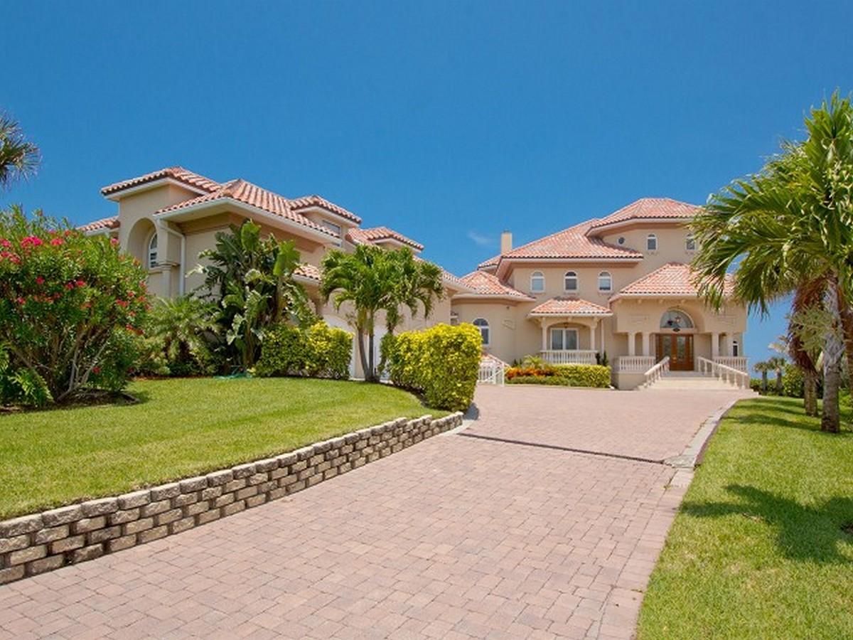 Частный односемейный дом для того Продажа на Luxurious Mediterranean Oceanfront Masterpiece 8345 Highway A1A, Melbourne Beach, Флорида, 32951 Соединенные Штаты