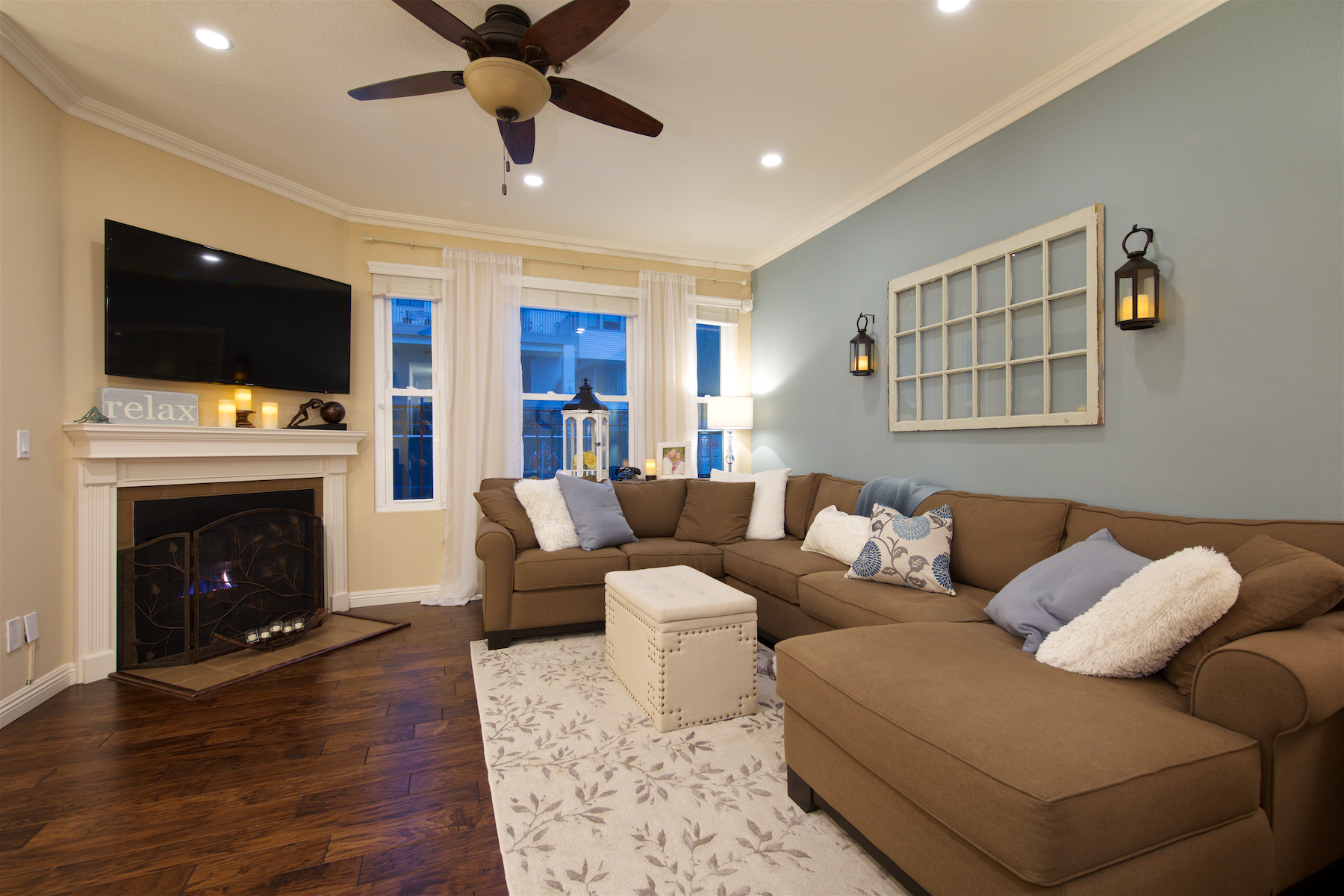 Condomínio para Venda às 2445 Brant Street 204 San Diego, Califórnia, 92101 Estados Unidos