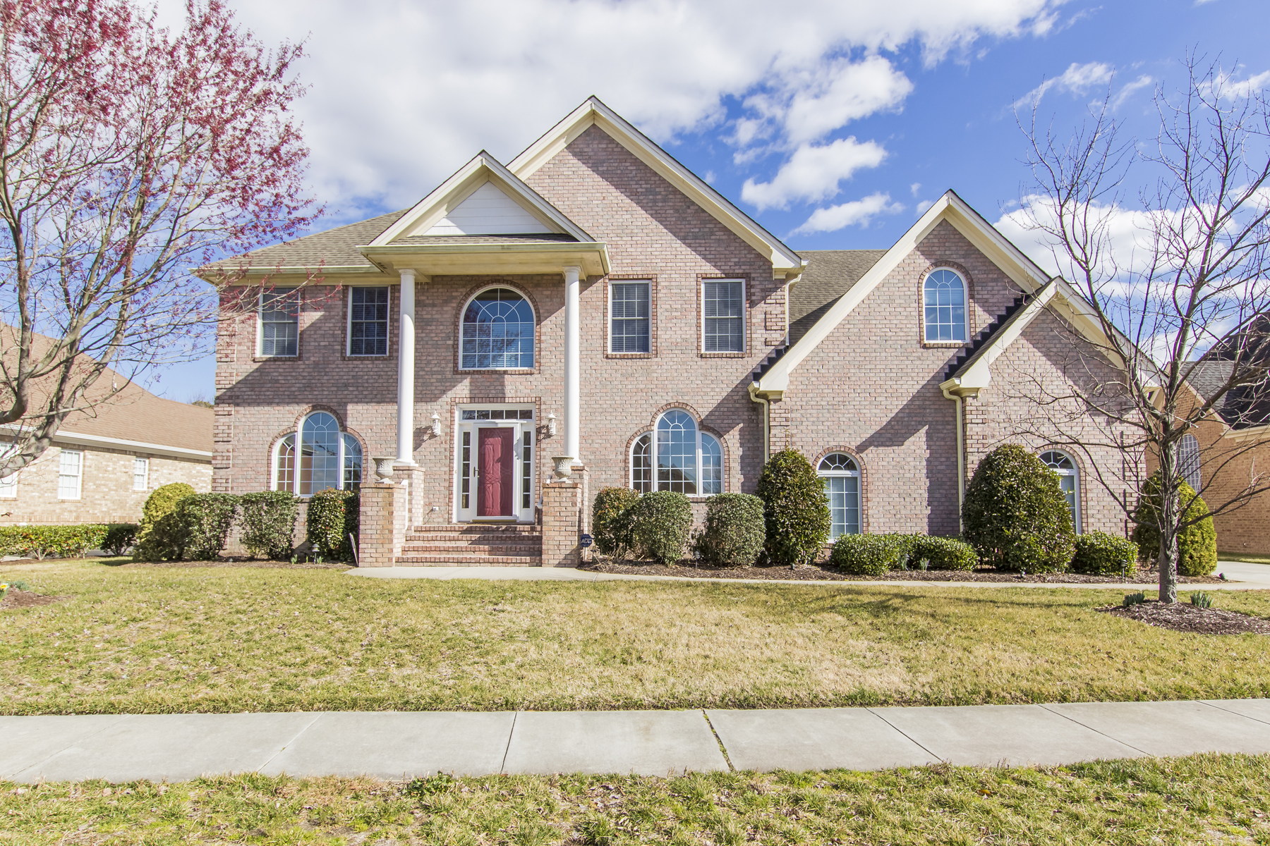 Single Family Home for Sale at Cahoon Plantation 335 Greens Edge Dr Chesapeake, Virginia 23322 United States
